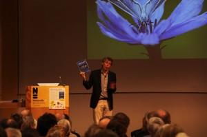 Rolf Roos toont eerste ex Niet zonder elkaar - bloemen en insecten foto naturalis